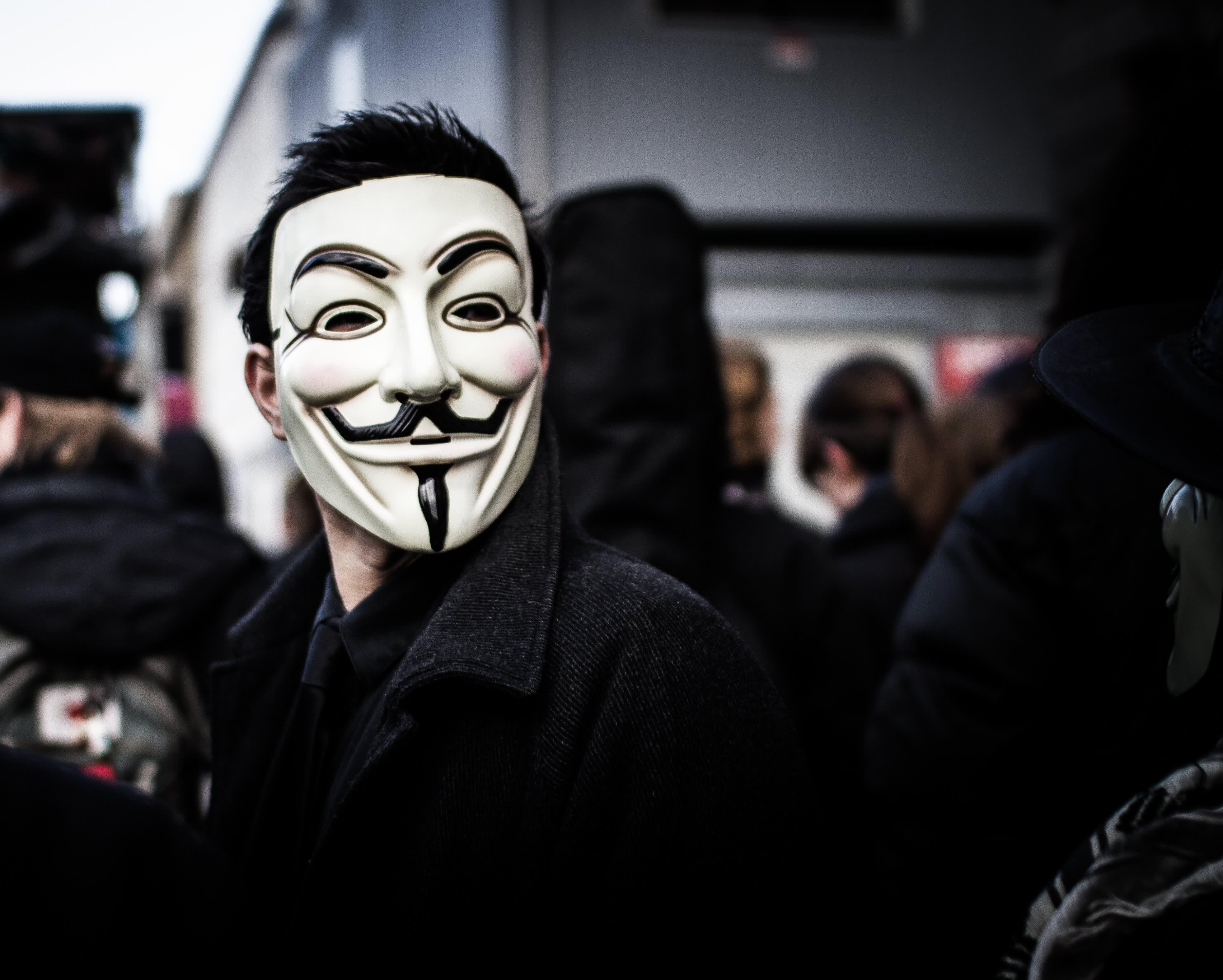 The Man Behind The Anonymous Mask V For Vendetta S David Lloyd